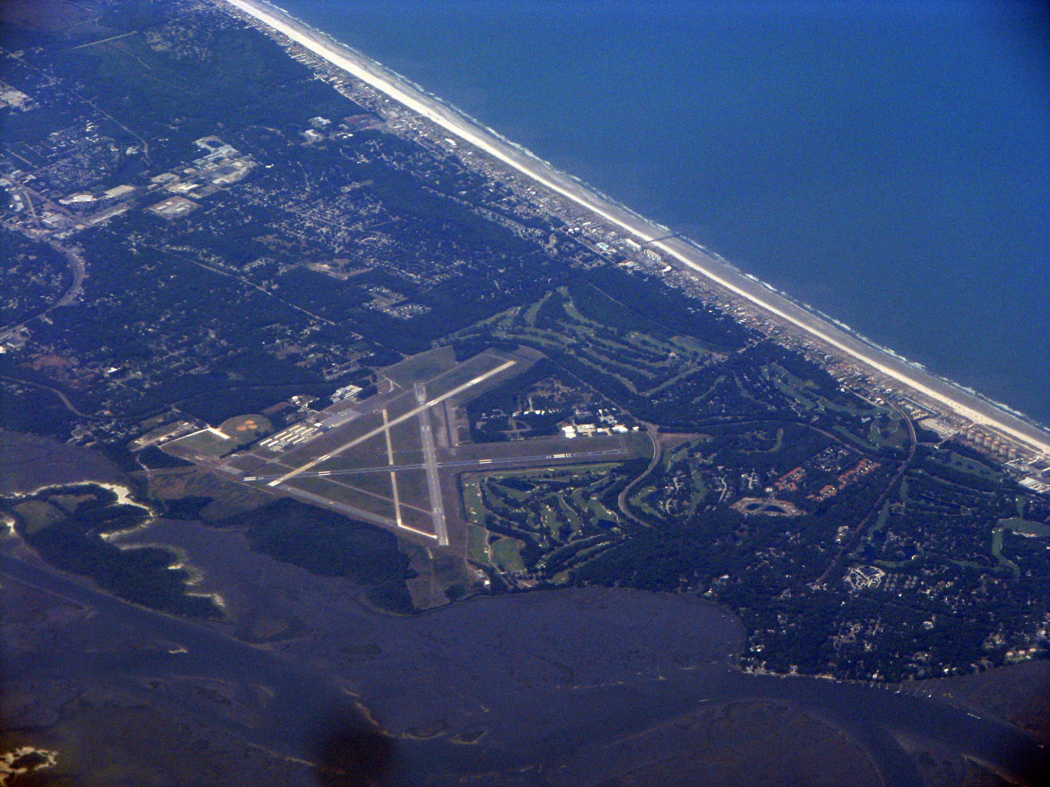 This golf course/beach resort looks like it has its own airport.